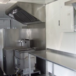 (#2019) 40 lb Fryer and Funnel Cake Fryer Under NSF Hood System